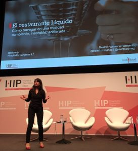 Hospitality Innovation Planet-Beatriz Romanos- Restaurante Liquido